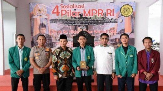 Peringati Milad Muhammadiyah ke 107, HNW Ulas Jasa Sejarah Muslim Untuk NKRI