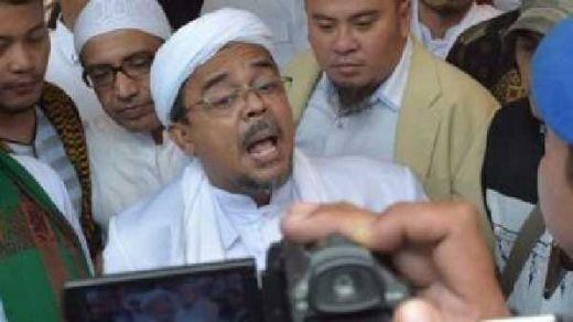PA 212 Tegaskan Tidak Akan Bubar Sebelum Bertemu Habib Rizieq, Massa Terus Berdatangan