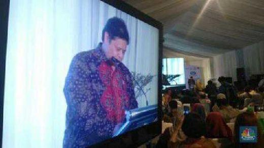 Di Acara BUMN, Menperin Airlangga Ajak Ibu-ibu Teriak Jokowi Presiden