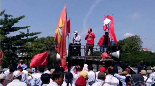 Sopir Tangki Mogok Massal19-21 Juni, YLBHI: Ada Pembangkangan Hukum dari Pertamina
