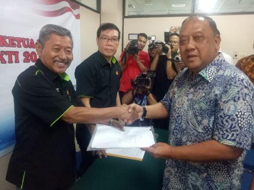 Marciano Serahkan Berkas Pencalonan Ketua Umum KONI Pusat