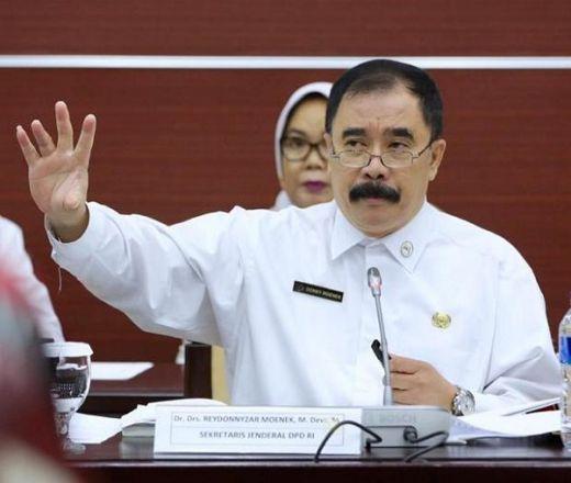 Bikin Malu DPD RI, Redonnyzar Moenek Didesak Minta Maaf ke Publik