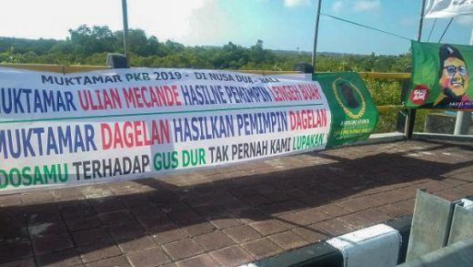Spanduk Dosamu Terhadap Gus Dur Warnai Muktamar PKB di Bali