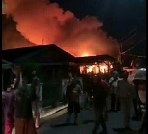 Rumah Warga Jalan Pelita Payung Sekaki Pekanbaru Terbakar, Kerugian Materi Capai Ratusan Juta