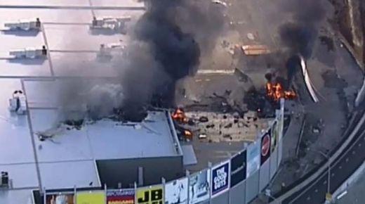 Pesawat Carteran Jatuh, Timpa Gedung Pusat Perbelanjaan di Melbourne