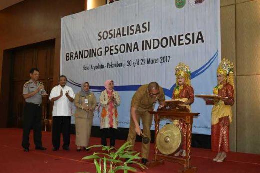 Gelar Sosialisasi Branding Pesona Indonesia di Pekanbaru, Kemenpar Ajak Pemprov Riau Berpromosi Wisata Tepat Sasaran