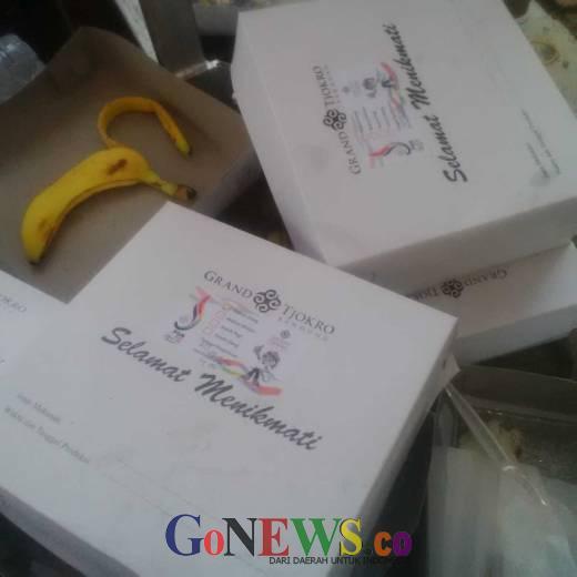 Amburadul, Liaison Officer PON XIX Jabar Keluhkan Lunch Box yang Kedapatan Belatung dan Nasi Basi