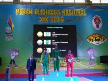 Usia 44 Tahun Tak Jadi Penghalang, Atlet Angkat Besi Riau Fatmawati, Sumbang Perak Hari Ini