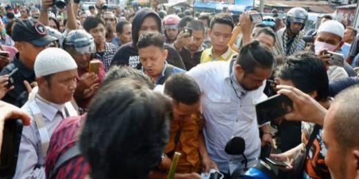 Diduga Bawa Senpi & Sajam, 2 Pria di Kota Medan Diamankan dari Lokasi Demo 22 Mei