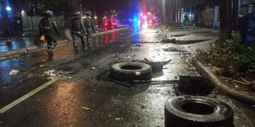 Polisi Akui Massa Aksi Ricuh Bawaslu Malam Hari Berbeda dari Yang Sejak Siang