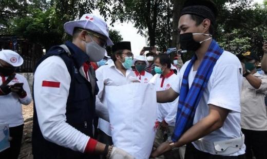 Relawan Indonesia Bersatu beri Bantuan Sembako ke Mahasiswa Perantauan di Jakarta