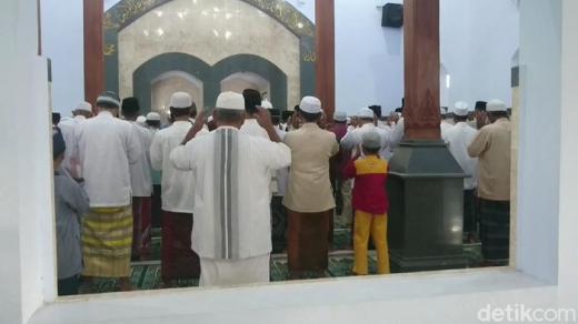 Jemaah Al Muhdhor di Tulungagung Lebaran Hari Ini