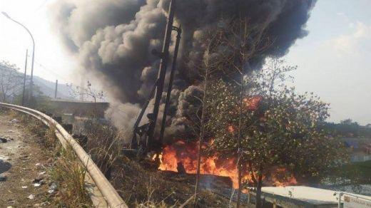 Kebakaran Pipa Minyak di KM 129 Tol Purbaleunyi, Seorang Pekerja Tewas