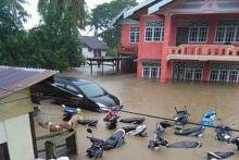 Banjir Landa 53 Kecamatan di Sulsel, BNPB: 8 Tewas, 4 Hilang dan Ribuan Warga Mengungsi