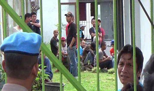 Kalapas Diduga Raba Dada Tahanan Wanita, Ratusan Napi di Bukittinggi Mengamuk