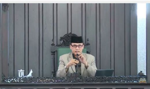 Sebut Surat Al Maidah Tak Relevan Lagi, Rais Syuriah PBNU Ishomuddin Dipecat dari MUI