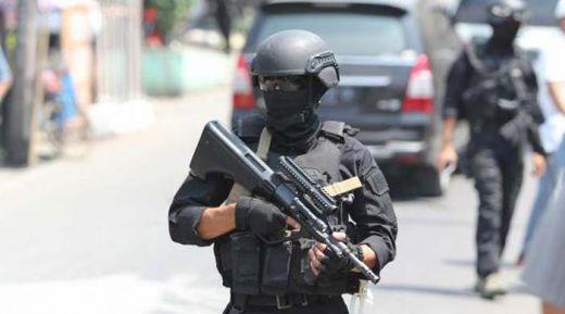 Warga Kaget Lihat Adu Tembak Densus 88 dan Teroris di Jalan Raya