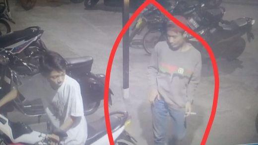 Aksi Pencurian Tiga Sepeda Motor di Warnet Terekam CCTV