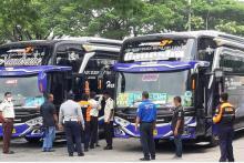 Curhat Tak Diperhatikan Pemerintah, Sopir Bus: Kita Juga ODP Pak, Ora Duwe Penghasilan