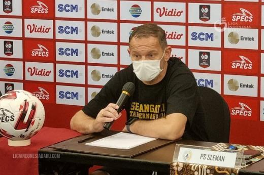 Dejan Antonic Tetap Turunkan Pemain Muda Hadapi PSM