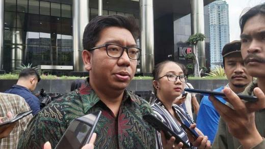 ICW Minta KPK Terapkan Pasal 15 UU Tipikor ke Azis Syamsuddin