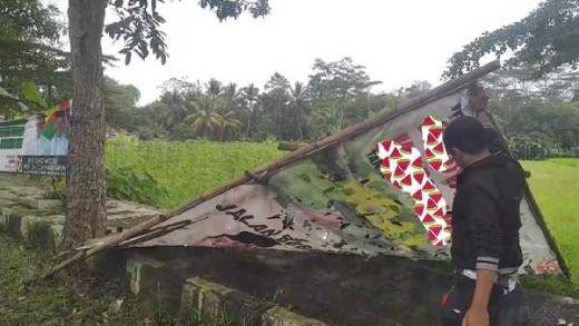 Warga yang Meninggal Tertimpa Baliho Jokowi-Maruf Ternyata Juru Parkir Bank