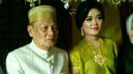 Kakek 70 Tahun Ini Nikahi Mahasiswi 25 Tahun, Maharnya Rp1,4 M, Tapi Tanpa Paksaan Lho...