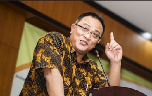 Kobar Perang: Pecat Komisioner KPU Seluruh Indonesia!