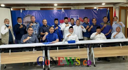6 Pengurus DPD PAN Periode 2021-2026 di Riau Resmi Terima SK dari Zulkifli Hasan