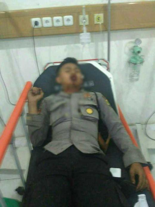 2 Kali Ledakan Diduga Bom di Kampung Melayu, 1 Polisi Tewas dan 4 Orang Polisi Dibawa ke RS Premier Jatinegara