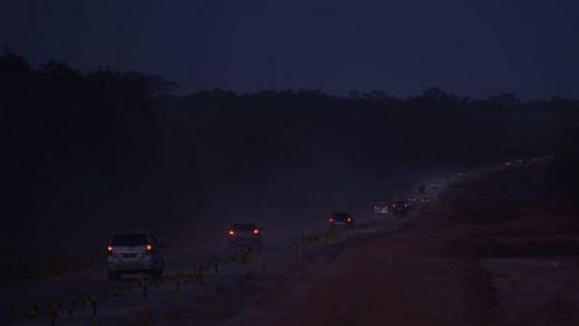 Dipaksakan Untuk Jalur Mudik, Selain Gelap Gulita Dimalam Hari, Debu-debu Beterbangan di Jalan Tol Pemalang-Batang
