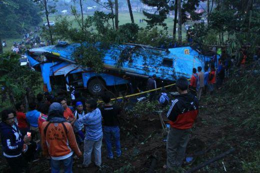 Bus Rosalia Indah Terjun ke Jurang di Purbalingga, 4 Penumpang Tewas dan 36 Luka-luka