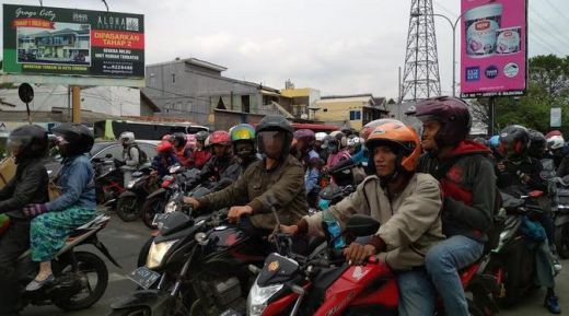 Puncak Arus Mudik, Kendaraan Roda Dua Padati Pantura Cirebon
