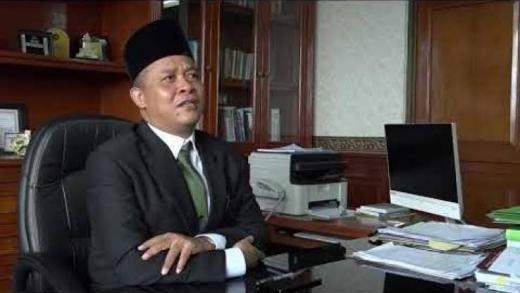 Langgar Administrasi, Kemenag RI Copot Rektor UIN Suska
