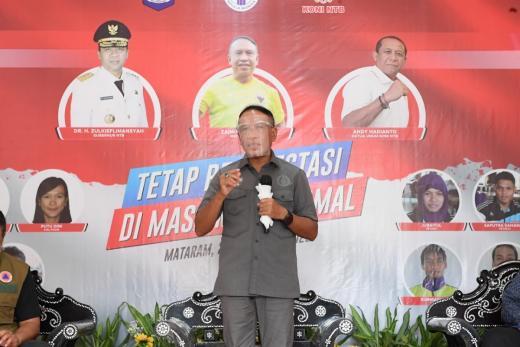 Kemenpora Serahkan Bantuan 14.442 Paket APD ke KONI NTB