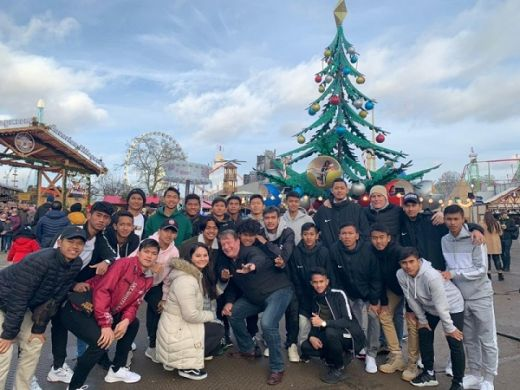Keseruan Skuad Garuda Select di Winter Wonderland