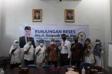 Di Ombudsman Sumbar, Guspardi: Birokrasi Masih Minta Dilayani