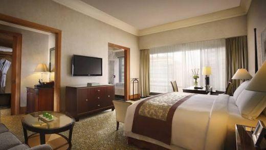 Wow! Beberapa Hotel Ketiban Durian Runtuh, Raja Salman Sewa Kamar Senilai Rp133 Juta