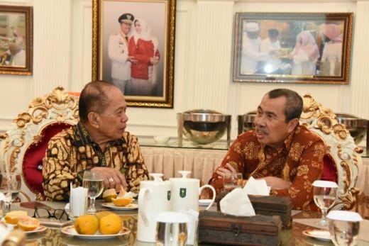 Syamsuar: Mayoritas Buruh di Riau tak Masalah dengan RUU Cipta Kerja