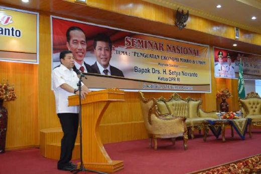 Bertemu Mahasiswa di Sumatera Barat, Novanto Ceritakan Pengalamannya dari Supir Menjadi Ketua DPR RI