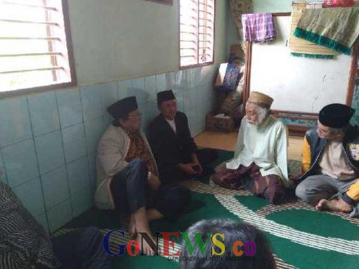 Sowan ke Kediama KH Muhtadi Dimyathi, Osman Sapta: Banten Harus Bangga Punya Tokoh Pemersatu Umat