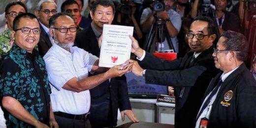 Ajukan Gugatan Sengketa Pilpres ke MK, Prabowo-Sandi Dikawal 8 Kuasa Hukum