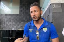 Wander Luiz Tampil Beda dengan Gaya Rambut Dreadlock