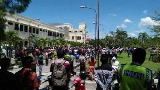 Bentrokan Berdarah di Mapolres Meranti Buntut Tewasnya Pelaku Penikaman Polisi, 1 Warga Tewas