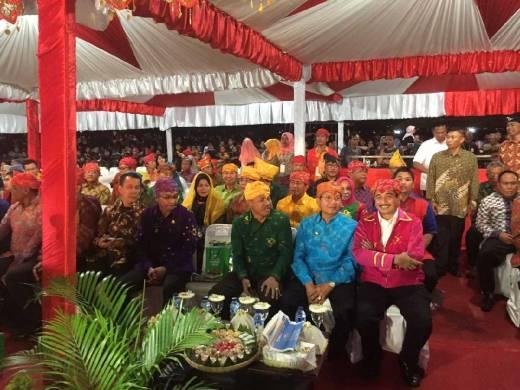 Menpar Arief Yahya Buka Festival Pesona Palu Nomoni 2016