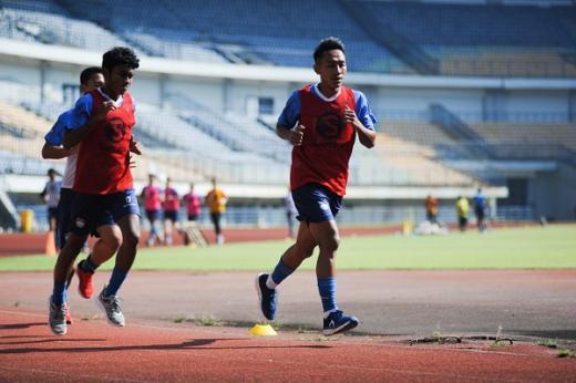 Pelatih Persib Bandung Lakukan Tes Vo2Max