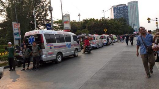 Kejanggalan Cuitan TMC Polda Metro Tuduh Ambulans DKI Diduga Bawa Batu