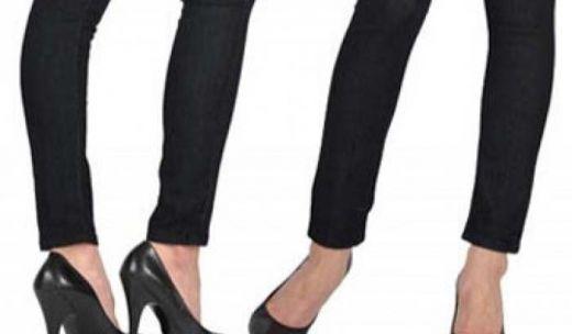 Pakai Celana Ketat, Dua Perempuan Dilarang Naik Pesawat