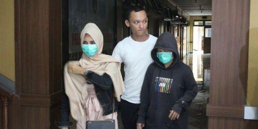 Mucikari Prostitusi Online di Garut Ini Nekat Jual Anaknya ke Pria Hidung Belang