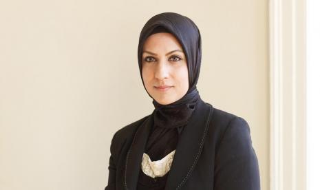 Raffia Arshad, Hakim Pertama di Inggris yang Kenakan Jilbab